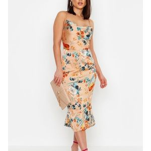 NWT Boohoo Floral midi dress